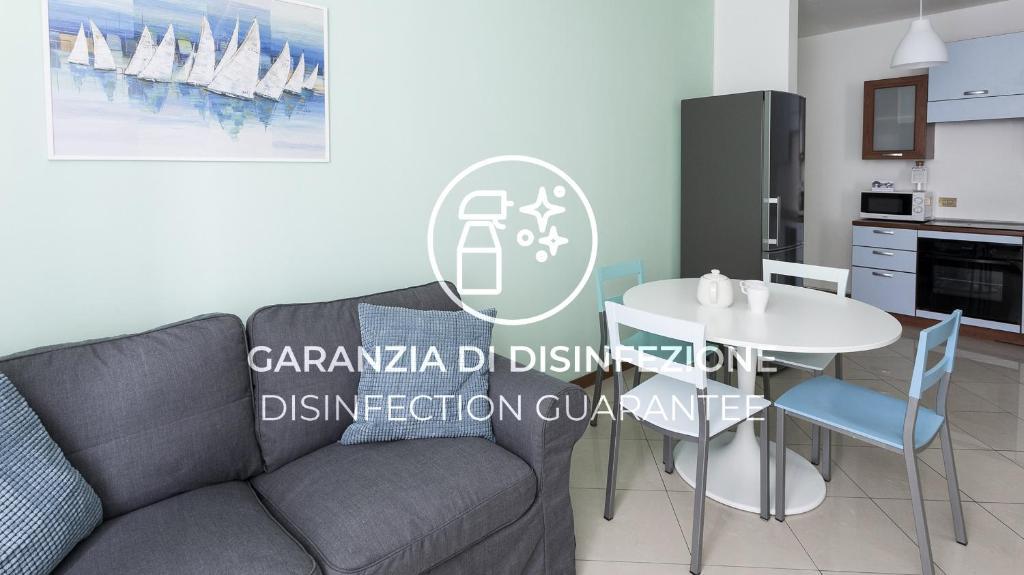 A seating area at Italianway-Corso Como 5
