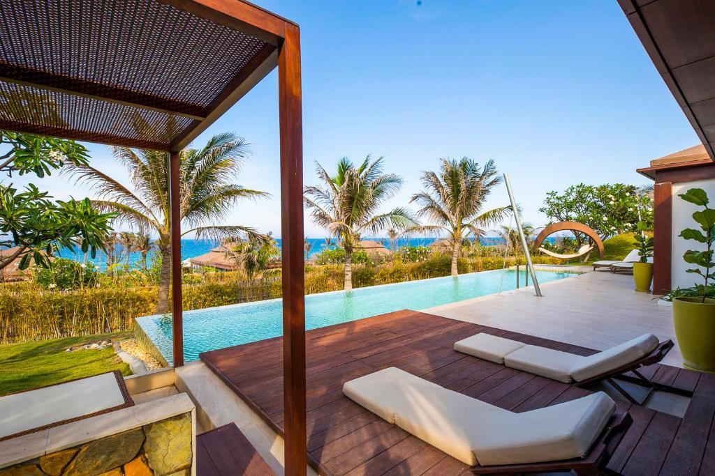 Biệt Thự 2 Phòng Ngủ Có Hồ Bơi Nhìn Ra Biển - Bao Trọn Gói Spa