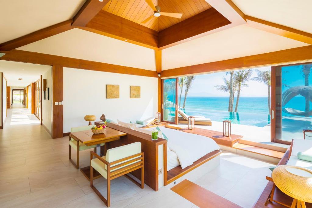 Biệt Thự 4 Phòng Ngủ Có Hồ Bơi (Nhìn Ra Biển) - Bao Trọn Gói Spa