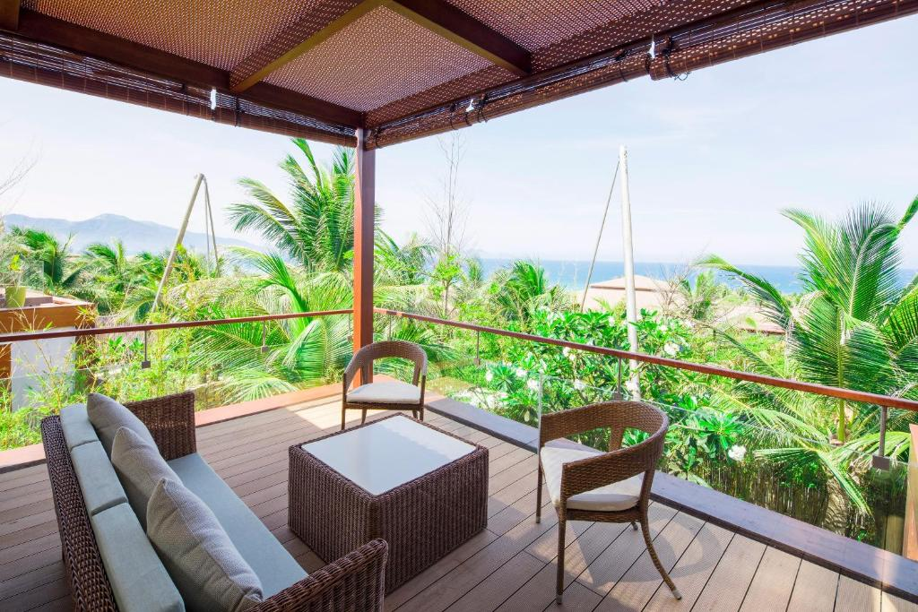 Suite Nhìn Ra Biển - Bao Trọn Gói Spa
