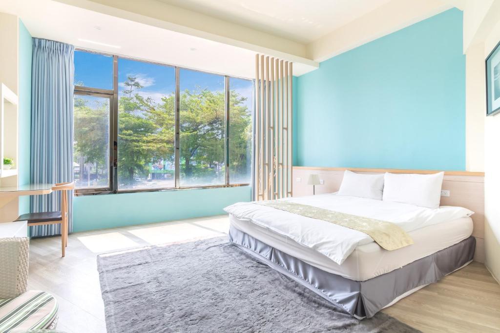 享樂慢活之輕旅行會館房間的床
