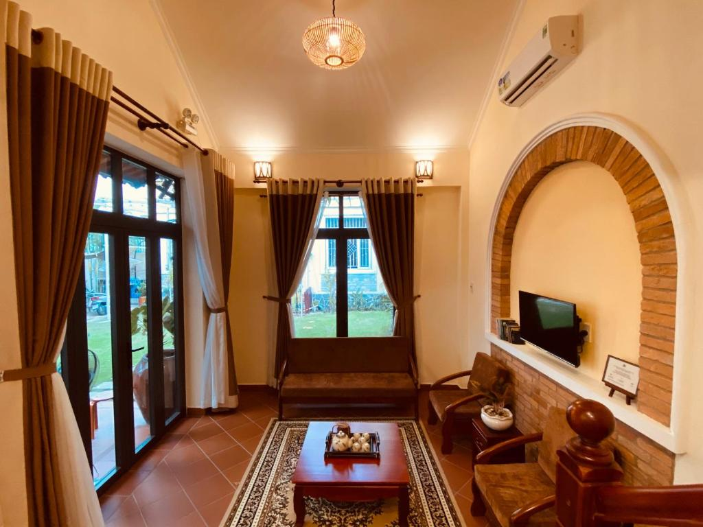 Mekong Palm House