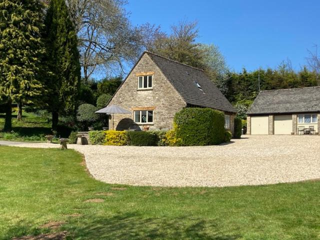Far Hill Cottage in Wyck Rissington, Gloucestershire, England