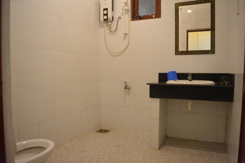 Giường Tầng trong Phòng ngủ Tập thể cho cả Nam và Nữ lắp Máy lạnh