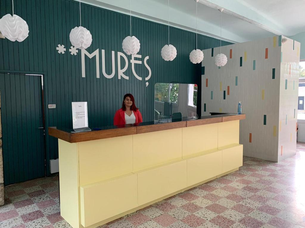 Zona de hol sau recepție la Hotel Mures