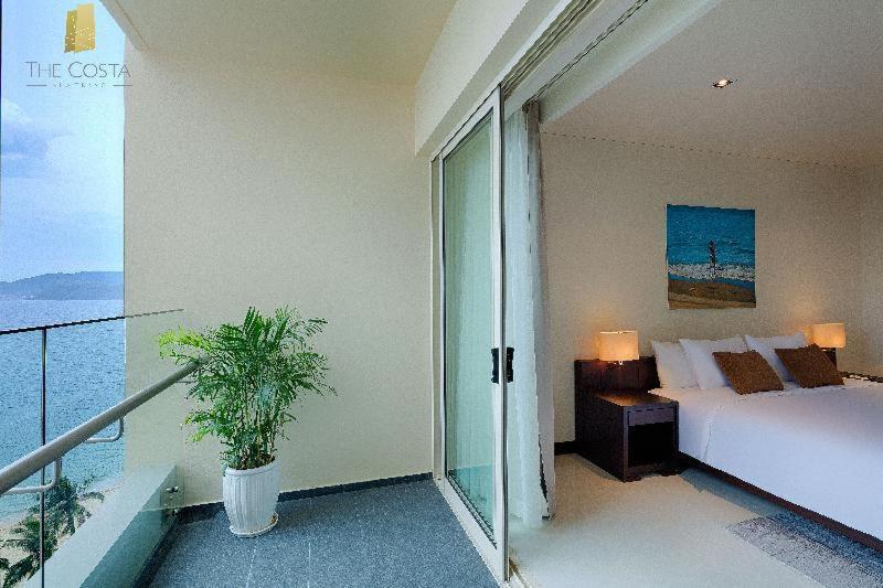 Room #70409975
