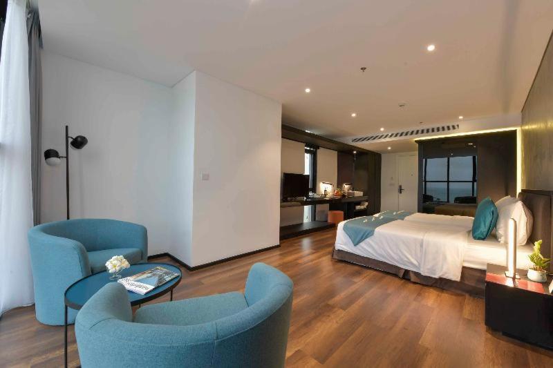 Room #459618029