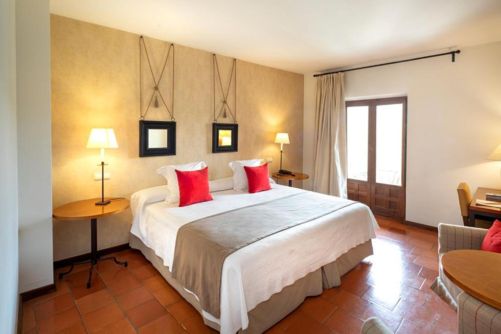 hoteles con encanto en segovia  31