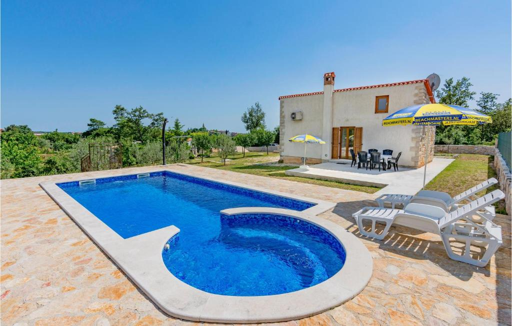 Holiday home Zminj 55 with Outdoor Swimmingpool