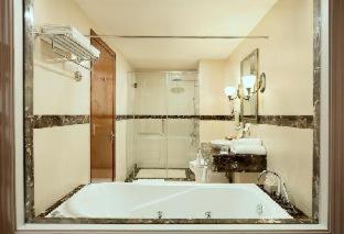 Room #23527587