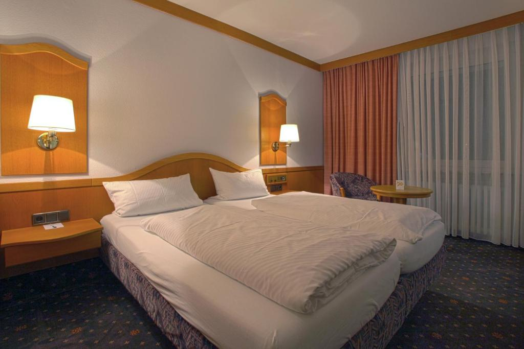 Hotel Esbach Hof Kitzingen Germany Booking Com