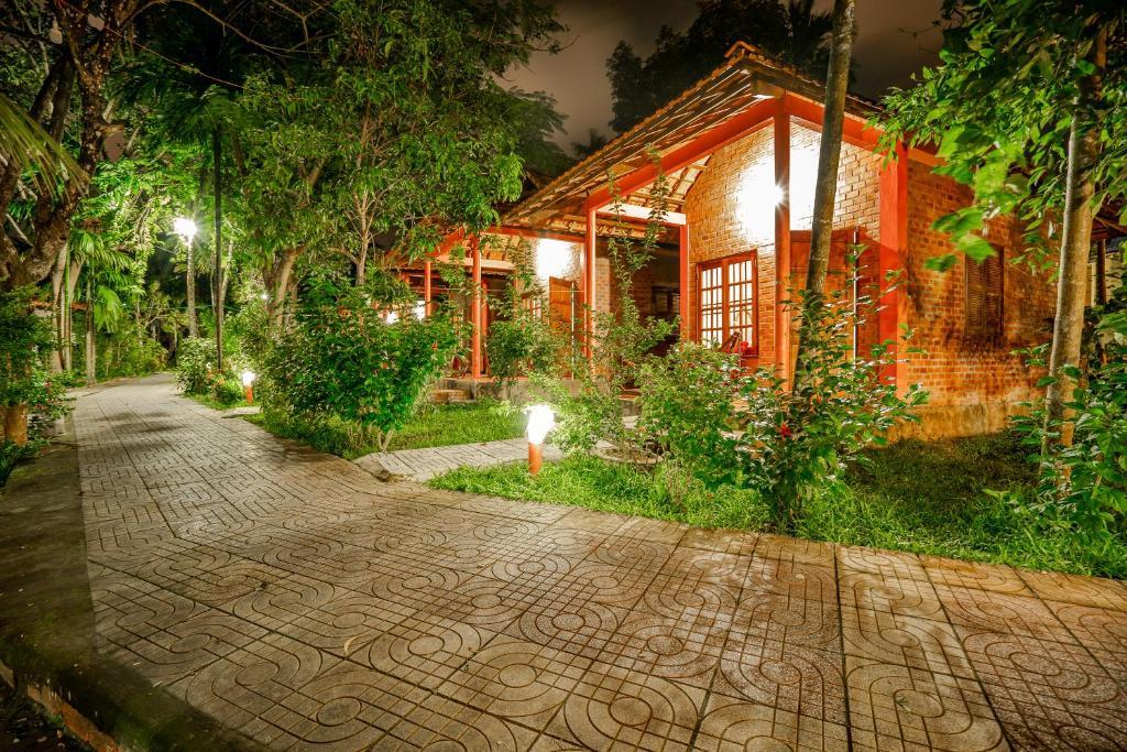 Huong Giang Bungalow