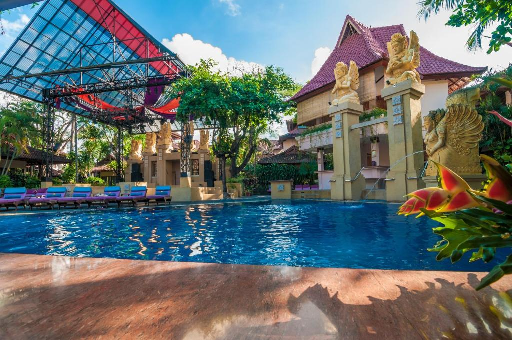 The swimming pool at or near Hotel Bounty Kuta