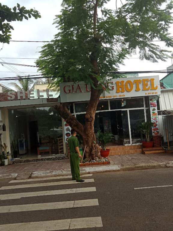 Gia Long Hotel