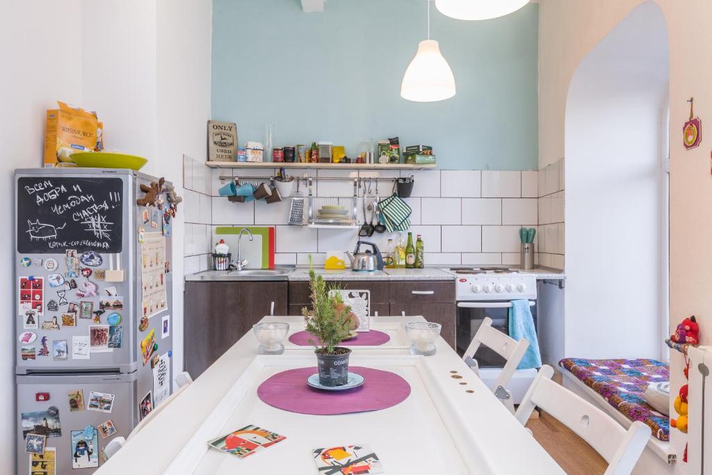 Кухня или мини-кухня в Хостел Чей Чемодан
