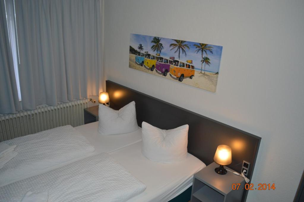 A bed or beds in a room at N8chthaus