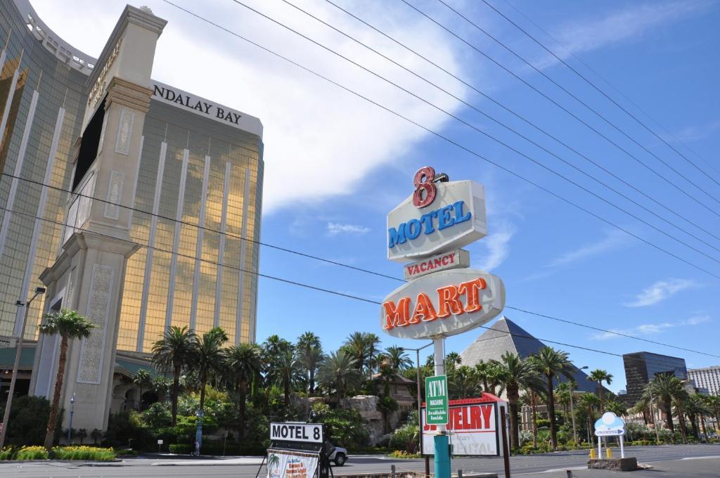 Motel 8 Plus Las Vegas Nv Booking Com