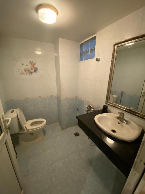 Phòng Đơn Có Phòng Tắm Riêng