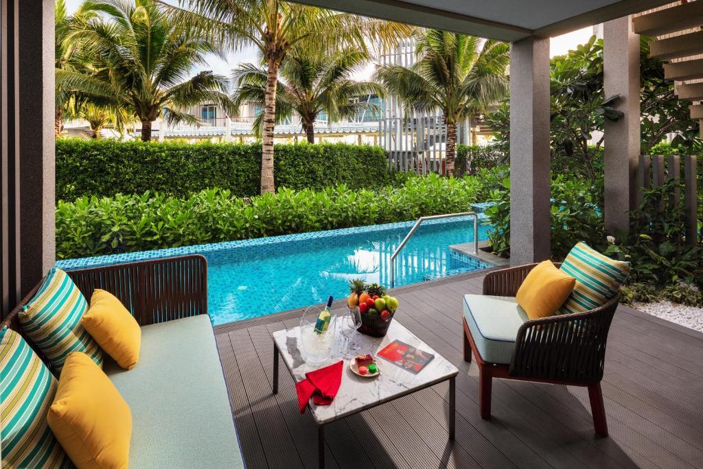 Phòng Có Giường Cỡ King Kèm Quyền Sử Dụng Hồ Bơi Và Lounge