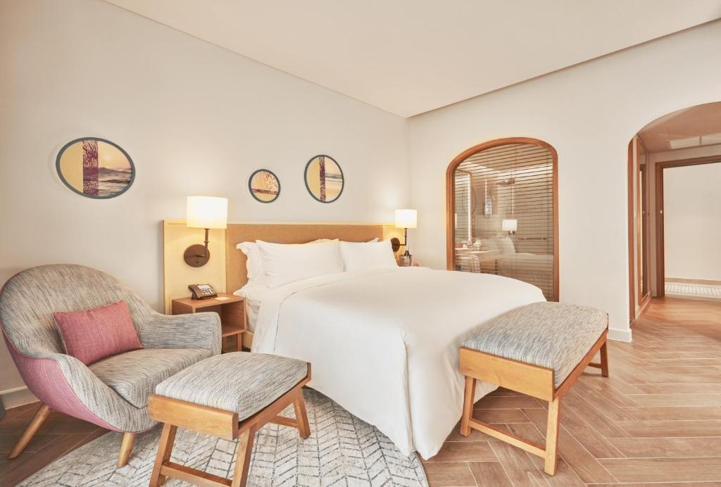 Phòng Executive có giường cỡ King Nhìn ra Biển