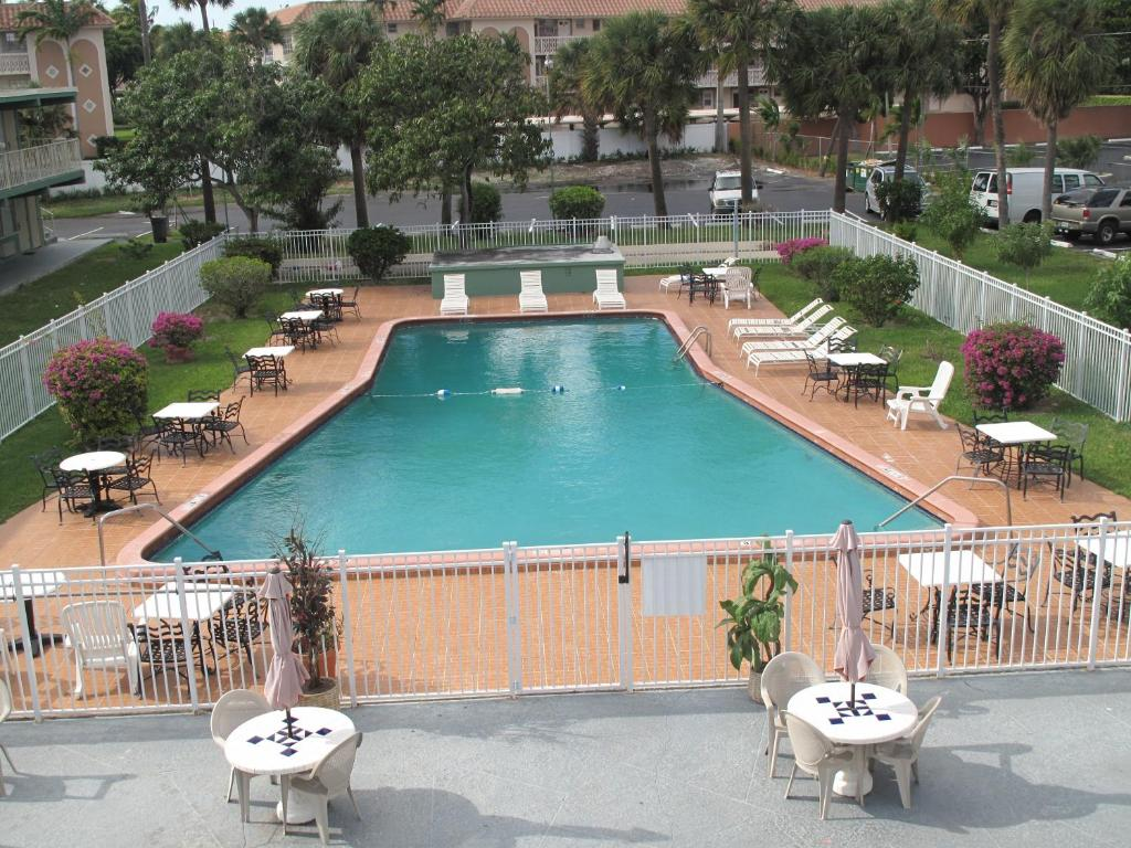 A view of the pool at Boca Inn or nearby