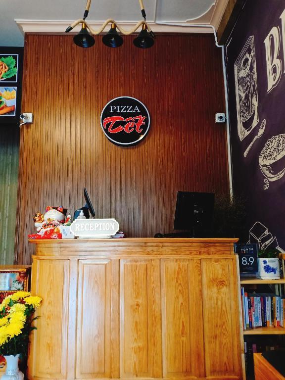 Pizza Tết Hostel