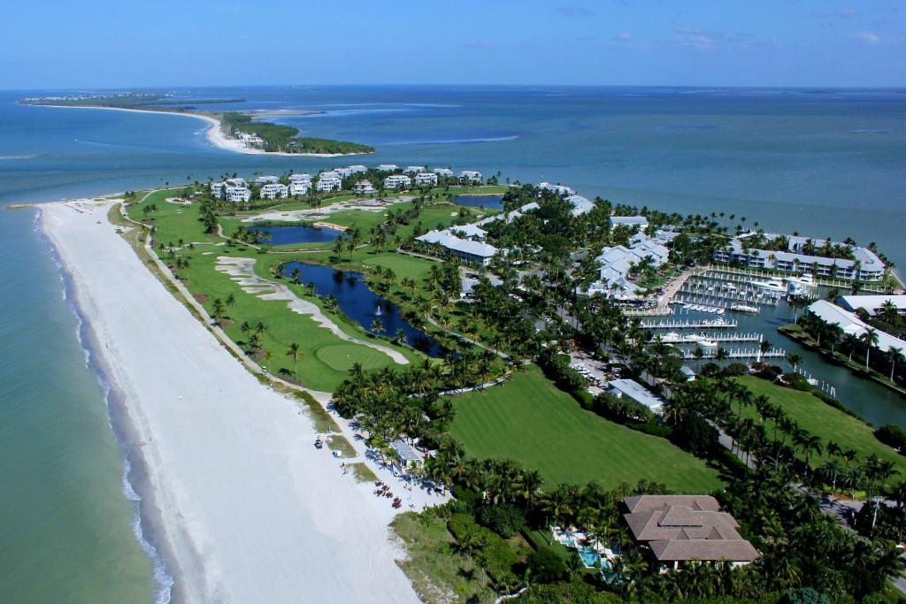 Uma vista aérea de South Seas Island Resort