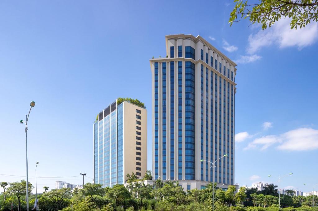 Crowne Plaza West Hà Nội