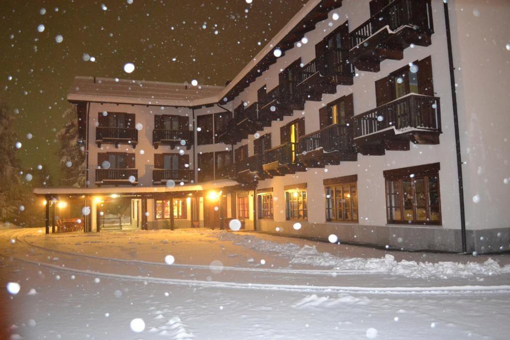 Park Hotel Gran Bosco during the winter