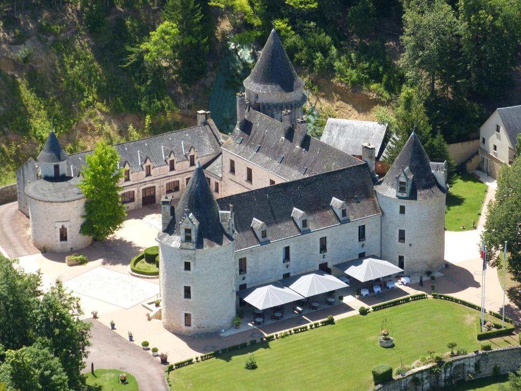 A bird's-eye view of Château la Fleunie - Hôtel et Restaurant