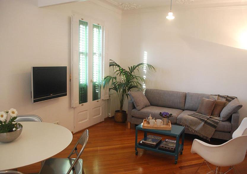 Cute Center Apartment