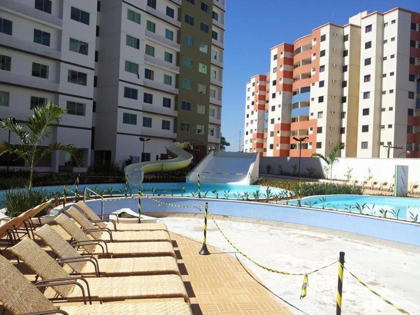 The swimming pool at or near Apartamento Riviera Park