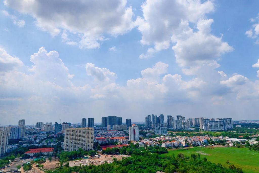 LUXURIOUS APARTMENT, FREE GYM+POOL view to landmark 81