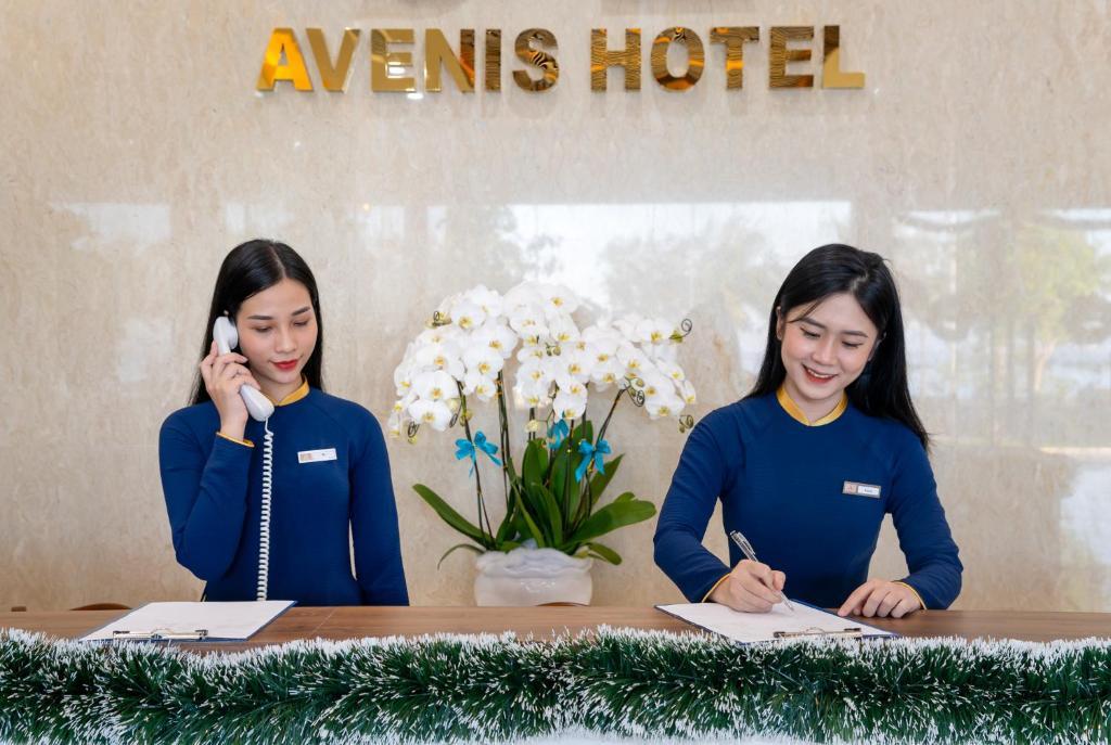 AVENIS HOTEL