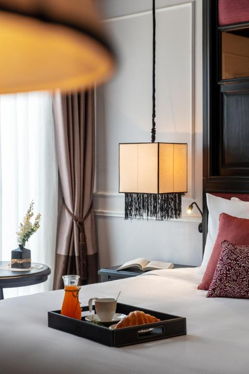 Suite Deluxe Có Giường Cỡ King - Miễn Phí 1 Ly Cocktail