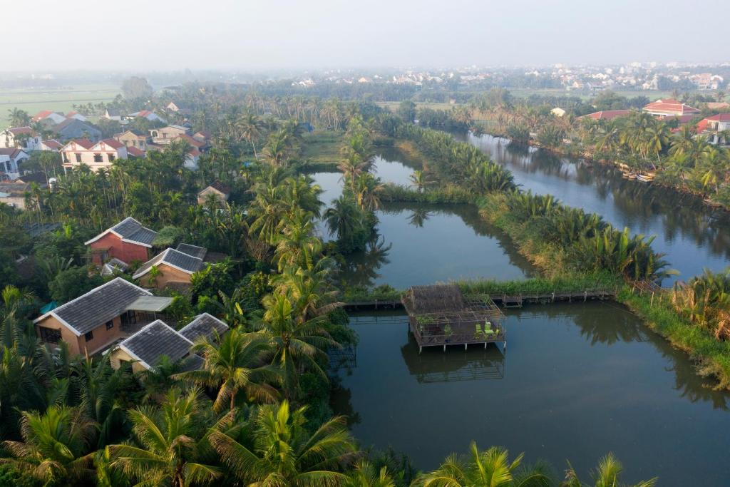 Suite Nhìn ra Hồ bơi