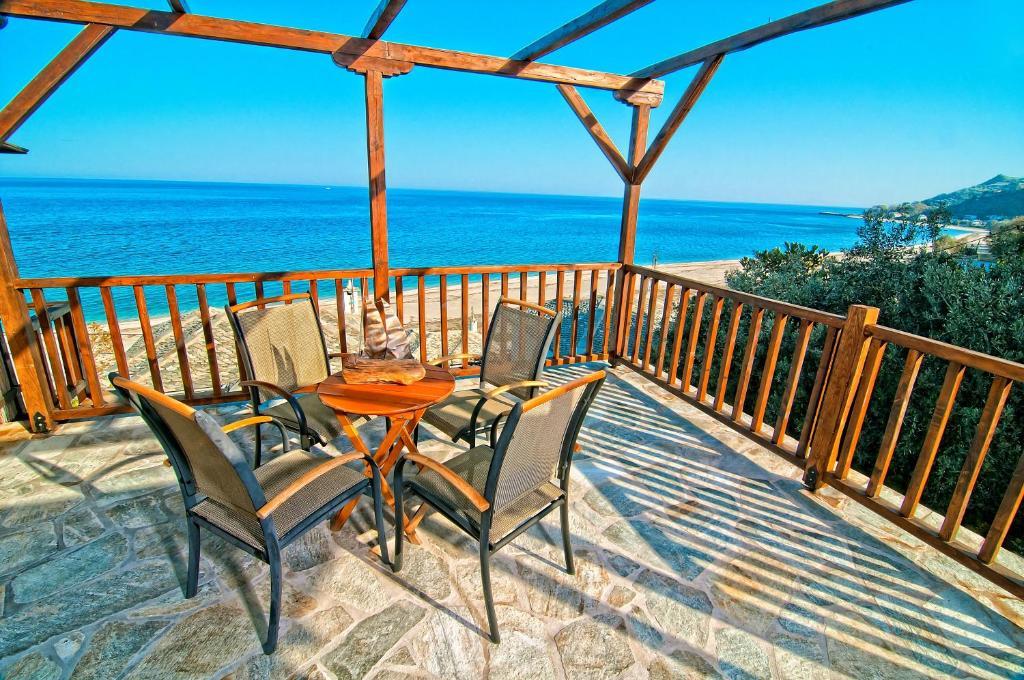 A balcony or terrace at Flamingo Hotel