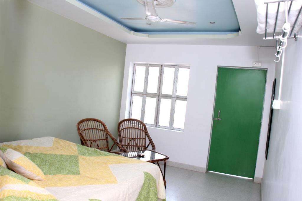 Ganga Love Luxe P Guest House