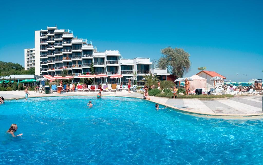 Poolen vid eller i närheten av Hotel Slavuna - All Inclusive