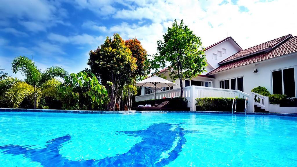 Biệt thự Hồ bơi 4 phòng ngủ