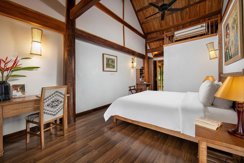 Phòng Deluxe Giường Đôi Nhìn Ra Hồ Nước
