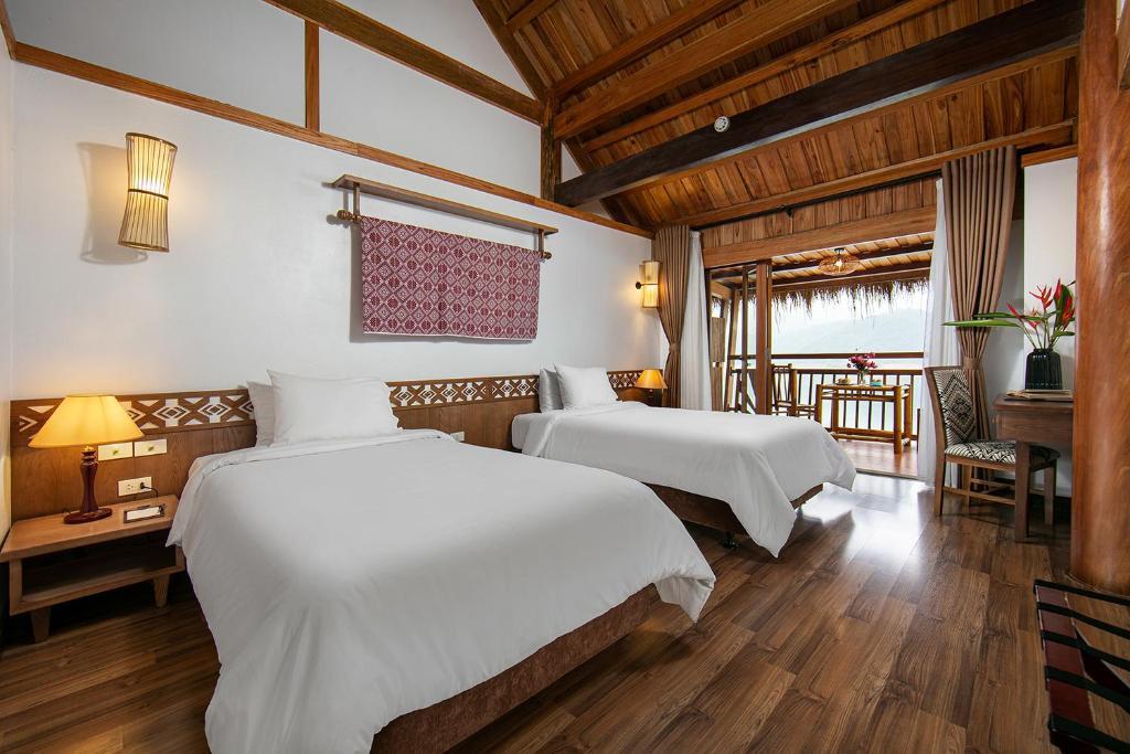 Phòng Deluxe 2 Giường Đơn Nhìn Ra Hồ Nước