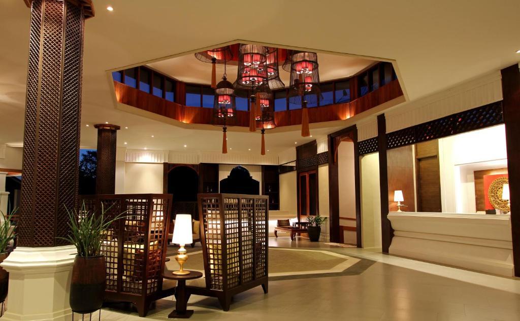 The lobby or reception area at Le Palais Juliana