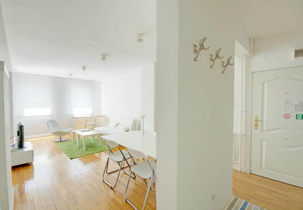 Miu Arena Apartment