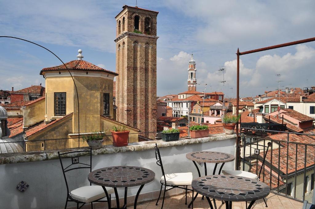B B La Terrazza Dei Miracoli Venice Italy Booking Com