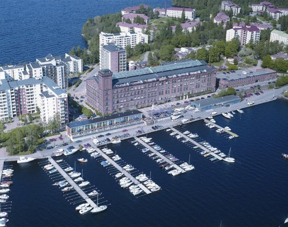Ett flygfoto av Holiday Club Tampere Spa Apartments