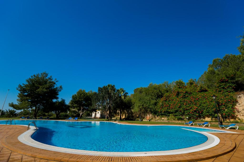 The swimming pool at or near Hotel Golf Campoamor