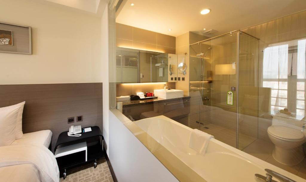 Un baño de Forte Hotel Changhua