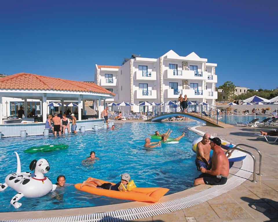 A piscina localizada em Lindia Thalassa ou nos arredores