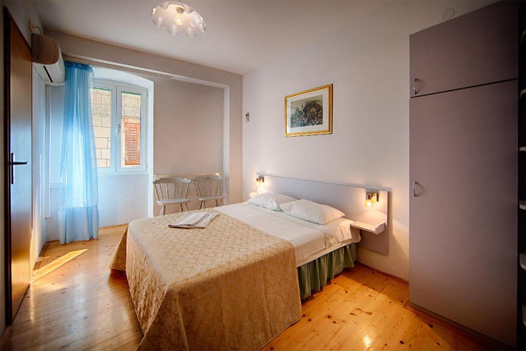 Komiza Provita Guesthouse